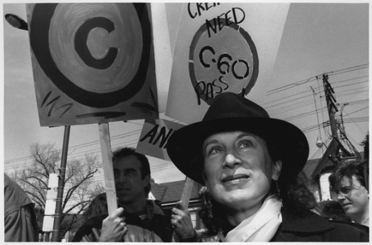 Margaret_Atwood_at_demonstration